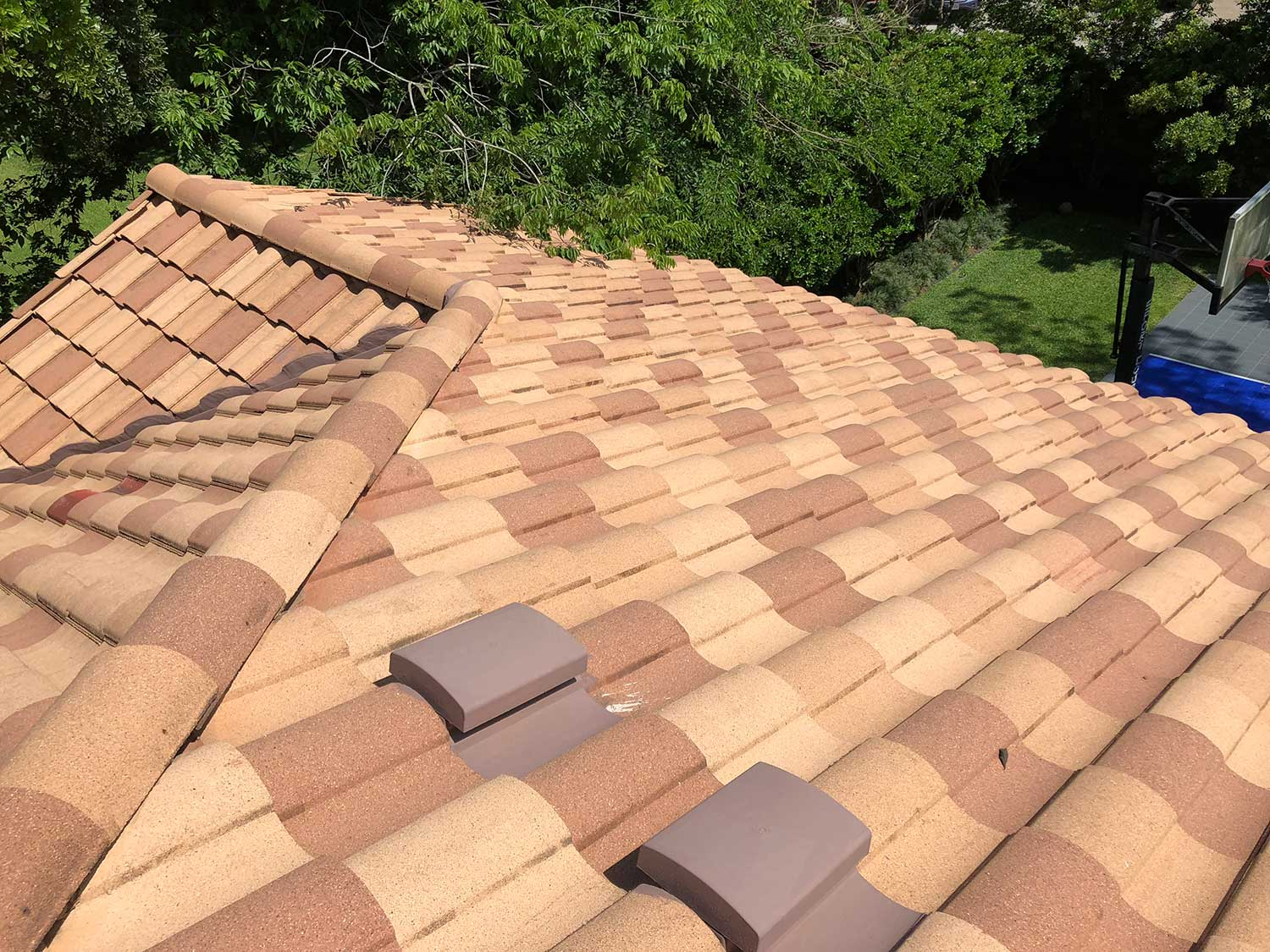 Roof Repair Amp Service Clay Tile Roofing Metal Roofing